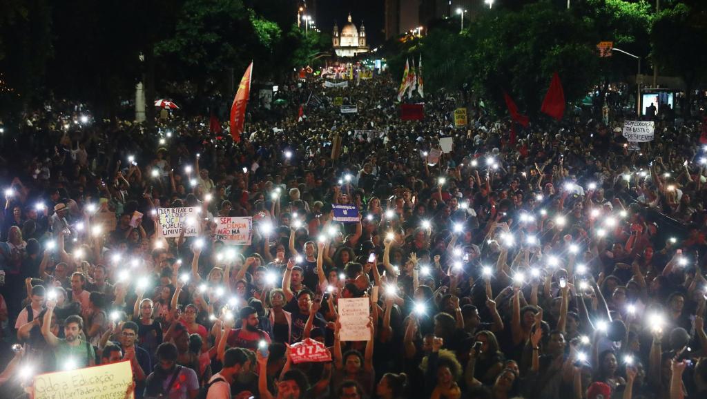 2019-05-15t224405z_2017754376_rc11ca2aed00_rtrmadp_3_brazil-politics-education-rio_0.jpg